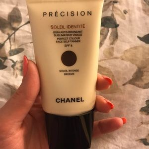 CHANEL Makeup - New Chanel face self-tanner